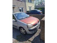 Renault clio dynamique 2004 spares or repairs