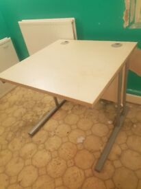 FREE desk, good condition, collection only