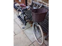 Pendleton Ashwell Classic Ladies Bicycle with fitted basket