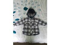 Baby boy's hooded shirt x2