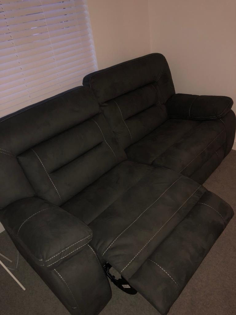 Reclining Couch 3 Seater In Cambuslang Glasgow Gumtree