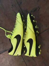 Nike Tiempo Football Boots Size 9 Worn twice