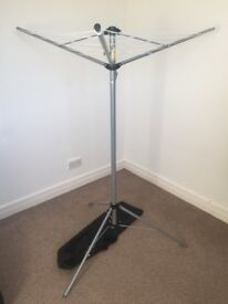 Portable Rotating Washing line / airer with carry bag (Ideal for camping)