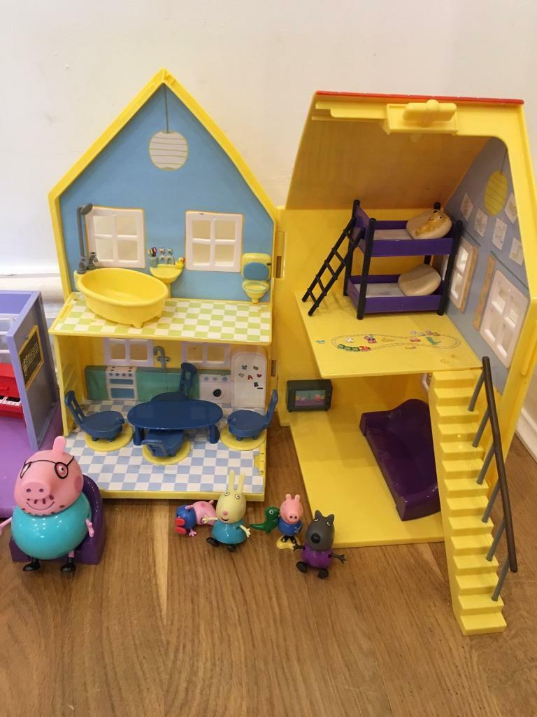 PEPPA PIG TOYSin Newcastle, Tyne and WearGumtree - ppa Pig ToysHopefully the photo shows whats included..Daddy Pig has broken ear and camper van not complete but still great for the price.Smoke and pet free home..Please contact 07956988555Used condition..Thanks