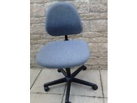 DO NOT MISS !!! Fully adjustable Grey Office Chair