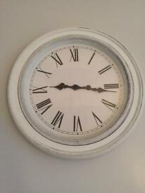 Immaculate condition white/grey large distressed clock