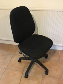 Black office chair good condition