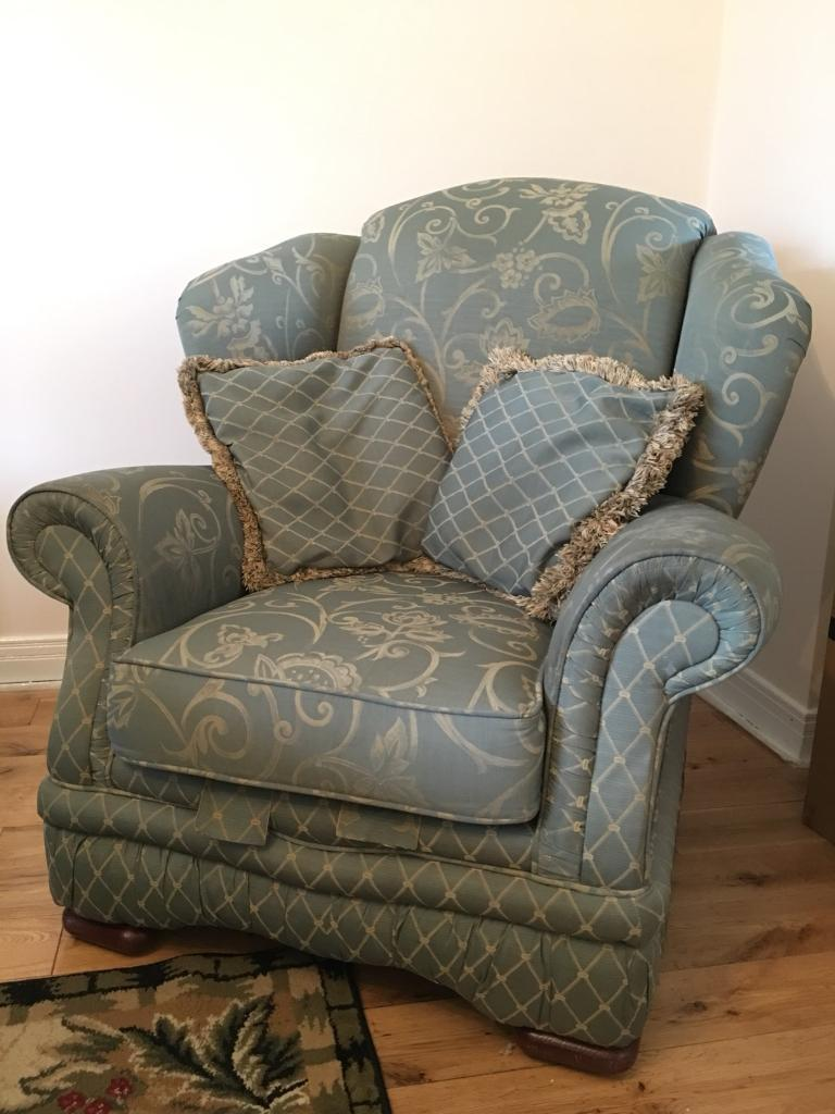 Big comfy armchair with 2 cushions green and gold pattern