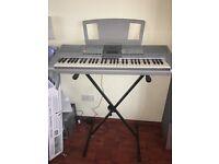 YAMAHA PSR-295 Keyboard Piano