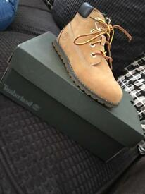 Boys/juniors Timberlands size new