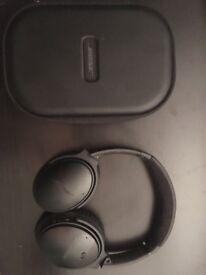 Bose headphones quiet comfort35 like new !