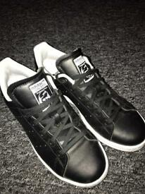 Size 5 adidas trainers
