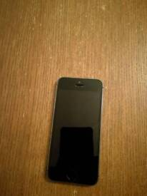 Iphone 5s 16GB unlocked for all network black/grey Like new 100% not scratch
