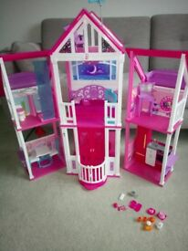 Barbie Malibu Dreamhouse - Excellent condition