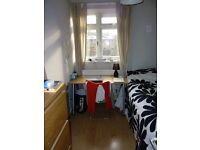 Single room to let in a Garden Masionette in-between Whitechapel and Bethnal Green