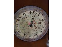 LOVELY ROUND CLOCK IN SHABBY CHIC PAINTED FINNISH