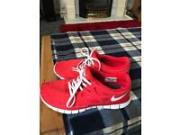 Size 7.5 Nike running trainers