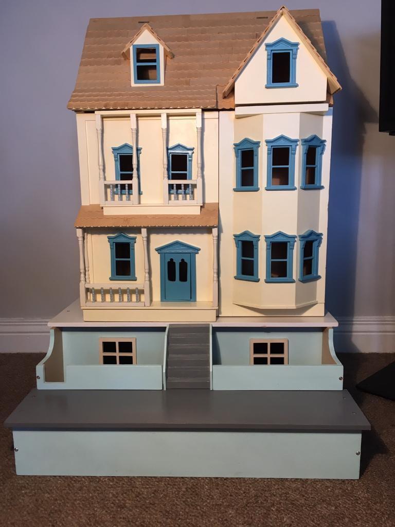 Stunning Victorian style dolls house