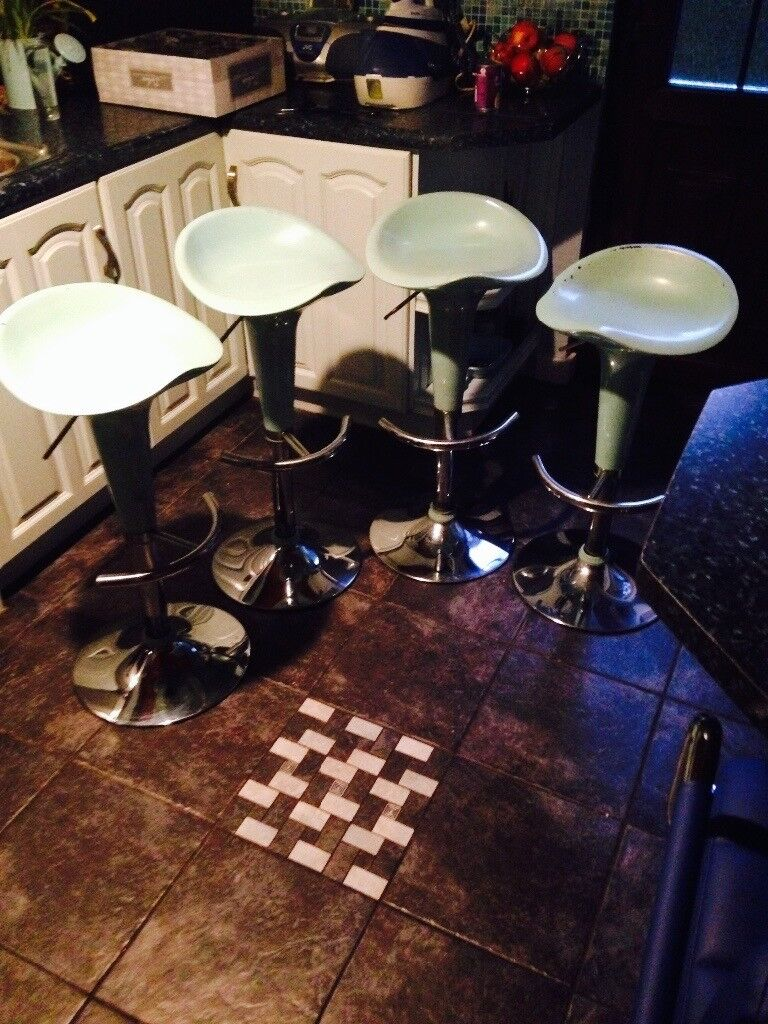 4 x baby blue bar/diner stools for £30