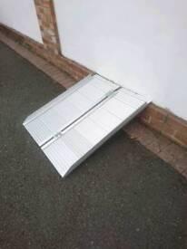 Lightweight folding access ramps.