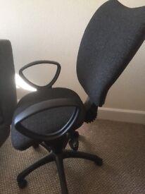 Ergonomic office/computer chair