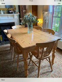 Chunky farmhouse dining table & 6 chairs. Quality suite