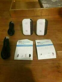 SuperBoost Wi-Fi Booster good condition and fully working price is for both