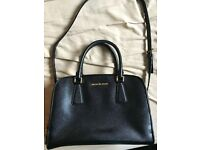 Michael Kors Reese Large in Black 100% Authentic