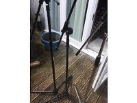 3 telescopic mic stands