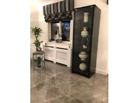 Black high gloss calligaris display unit, 5 shelves with light. Excellent condition