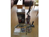 Shark NV680 lift away vacuum cleaner. Great condition, all tools and box.