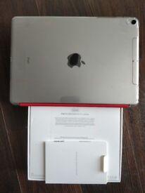 iPad pro 10.5 2nd gen 256GB cellular + extras