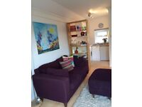 Delightful double bedsit room available in beautiful Findon village. Self-contained and furnished.