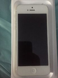 Selling: iPhone 5 16GB silver and white