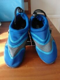 CHILDREN'S AQUA SHOES - TO FIT SIZE 12