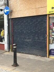 Shop to rent with food use close to town and railway