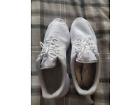 Nike mens trainers size 8 in good condition