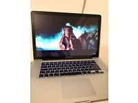"""Apple Macbook PRO 15"""" Core 2 Duo , 4gb ram , 250gb hdd +charger."""