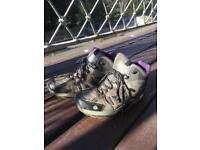 Ladies size 7 Regatta walking / hiking boots