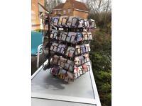 Stand & fridge magnets