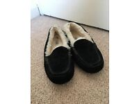 UGG Ansley Black Slippers Size 7
