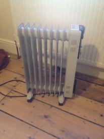 2000W 9 Fin Oil Heater - Charlton (Greenwich) £20