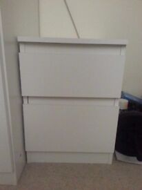 2 drawers chest/bedside