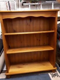 Oak solid wood book shelf.