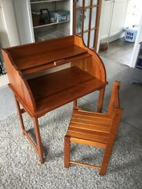 Children's writing desk with chair