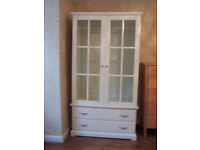 Wardrobe - white Ikea - glass doors - collection Charlton London