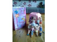 Barbie Pink Magi-Key House in original box with 8 Barbie dolls - Great Condition