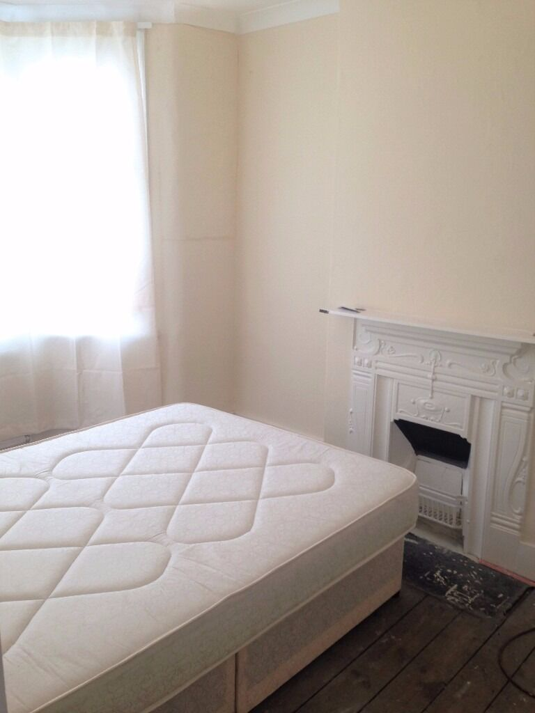 2 BEDROOM FIRST FLOOR FLAT ILFORD¦ NO AGENCY FEES QUOTING THE REFERENCE: EXCEL619 WHEN YOU CALL