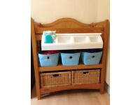 Mamma and papa babies changing station with built in Bath and storage baskets included