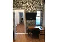 REGIONAL HOMES ARE PLEASED TO OFFER: NEWLY DECORATED STUDIO FLAT, POPULAR ROAD, BEARWOOD!!!